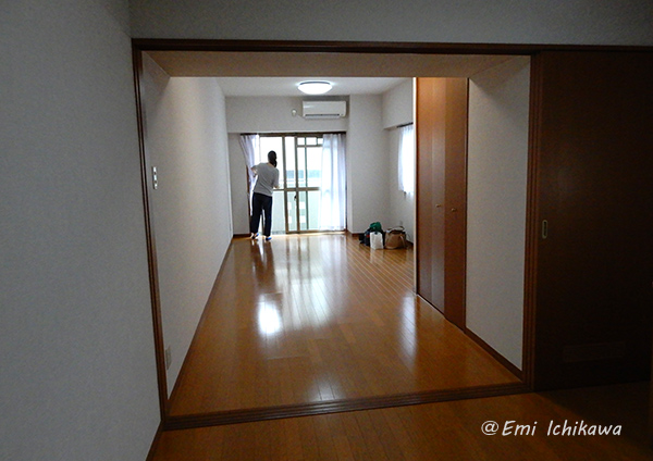 19-6-30empty-roomDSCN9915.jpg 600×424 119K